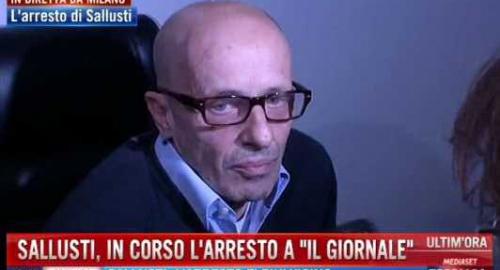 """Arresto Sallusti: il coraggio del giornalista """"Se vogliono mi arrestano qui…"""""""